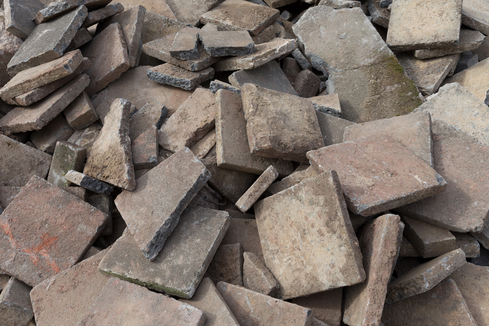 Annahme von unbelastetem Beton/Stahlbeton, – Asphalt